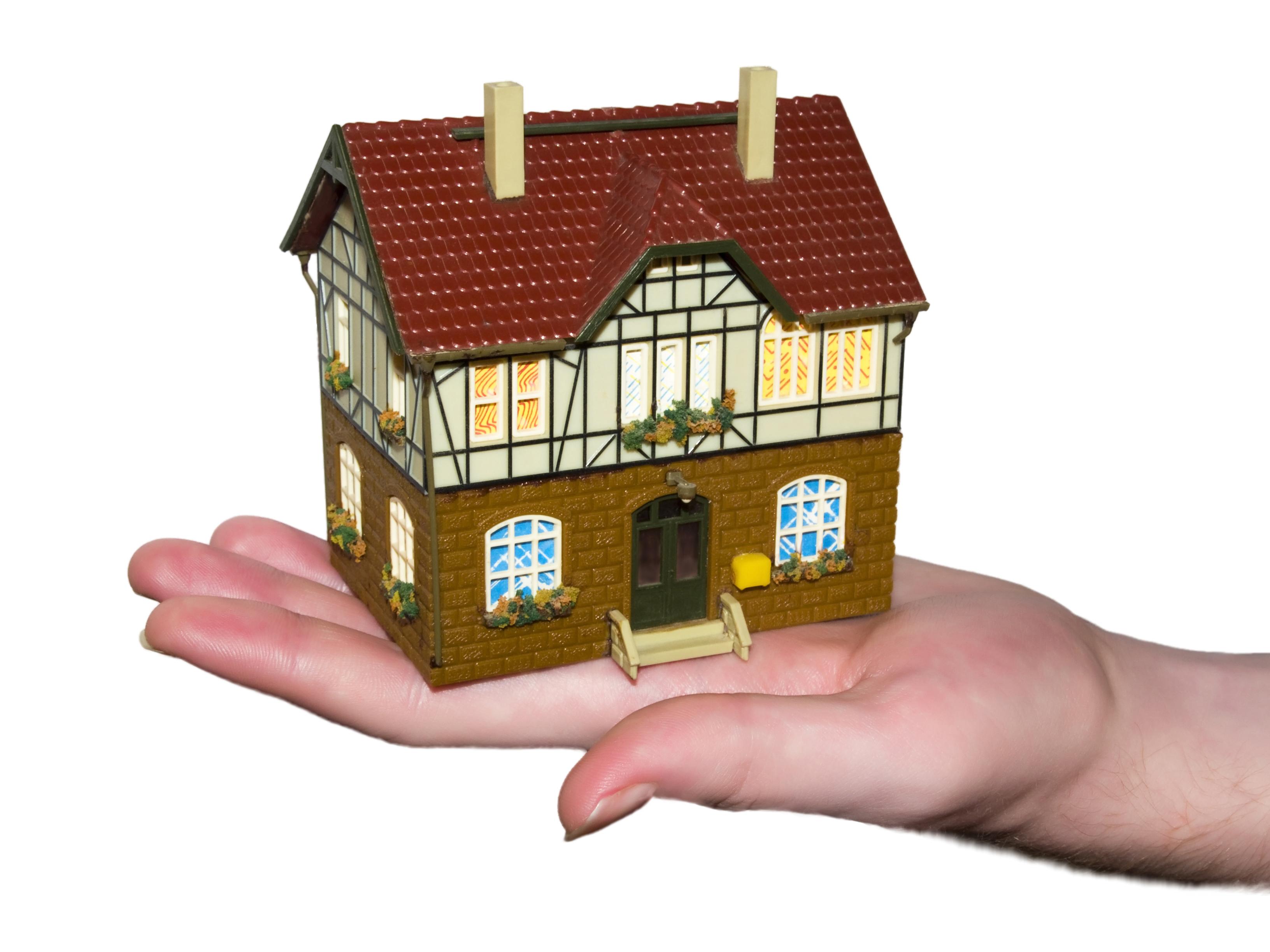 Стоит ли пользоваться услугами брокеров при взятии ипотеки?